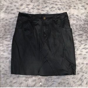 PRETTY LITTLE THING leather skirt